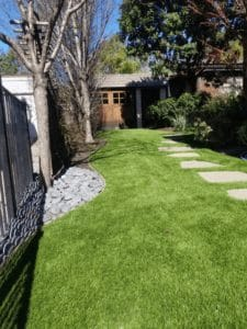 Homeowners Enjoy Artificial Turf that Solves Landscaping Problems